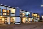 Отель Waikanae Beach Motel
