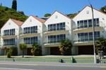 Апартаменты Breakwater Apartments