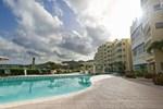 Отель The Villas at Simpson Bay Resort & Marina