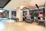 Отель Hotel Cubix