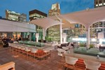 Отель theWit Chicago, A DoubleTree by Hilton Hotel