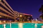 Отель Crowne Plaza Hotel Miami International Airport