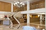Отель Biltmore Hotel & Suites