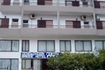 Отель Gefyra Hotel