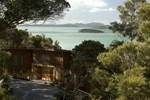 Отель Bay of Islands Lodge