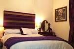 Мини-отель The Blue Door Bed & Breakfast