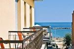Отель Hotel Tura