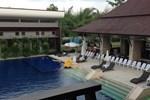 Отель Naraya Riverside Resort