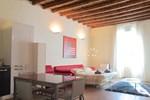 Temporary House - Naviglio Sforza