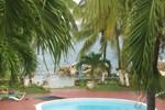 Апартаменты Chrisann's Beach Resort Apt 21
