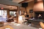 Апартаменты GetAways at Eagle Point Resort