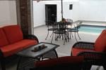 Апартаменты Modern Three Bedroom House With Privet Pool