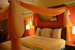 Отель Suites @ Pineapple Court Hotel