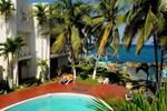 Апартаменты Chrisanns Beach Resort