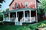 Отель Old Red Inn & Cottages