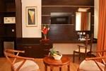 Отель The Monarch Hotel