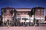Отель Casa Del Mar