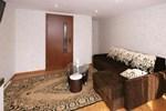 3 kambarių butas ir kotedžas