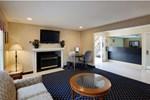 Отель Hawthorn Suites by Wyndham Airport East Hotel
