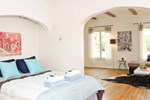 #1 Sunny 2 Bedroom Flat by Beverly Hills