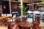 Отель Coconut Palms