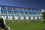 Отель Heartland Hotel Beachcomber