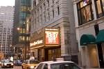 Отель Hampton Inn Majestic Chicago Theatre District