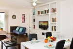 #9 Sunny 2BR Flat by Downtown