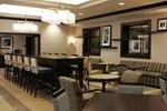 Отель Hampton Inn by Hilton Toronto Airport Corporate Center