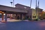 Отель Hampton Inn & Suites Phoenix Airport South