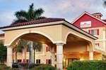 Отель Hawthorn Suites by Wyndham Naples
