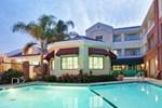 Отель Holiday Inn Express Hotel & Suites San Jose - International Airport