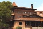 Отель Yavapai East Lodge