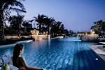 Отель The Ritz-Carlton Jakarta, Mega Kuningan
