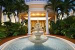Отель Holiday Inn Express Miami Airport Doral Area