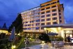 Отель The Everest Hotel