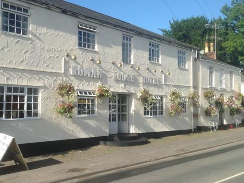 Roman Lodge Hotel