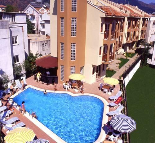 Ozhan Apartments