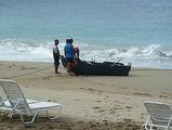 спасение лодки / Фото из Доминиканской Республики