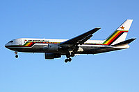 Boeing 767 / Зимбабве