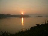 Восход над Меконгом / Фото из Лаоса