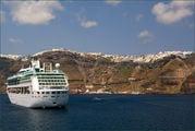 Лайнер у берегов Греции