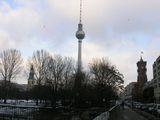 Слева направо: Мариенкирхе, Телебашня, Красная ратуша / Фото из Германии
