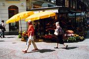 Продажа цветов на улице / Фото из Австрии