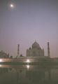 тадж-махал в лунном свете / Индия