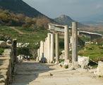 Спуск к храму Домитьяна / Фото из Турции
