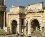Ворота Мазеуса и Митридата / Фото из Турции