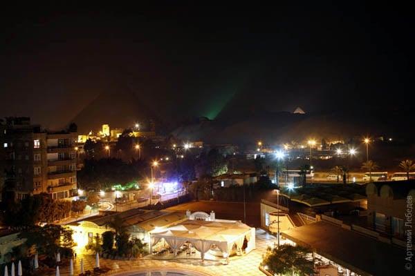 Ночная Гиза / Фото из Египта