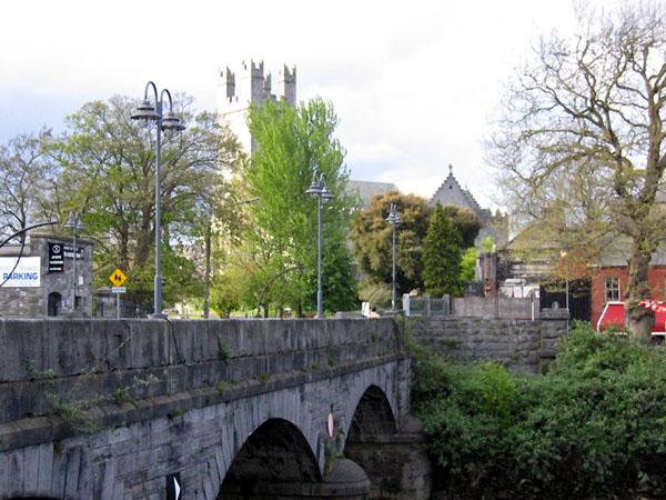 Лимерик, вид на мост и собор Святой Марии / Фото из Ирландии