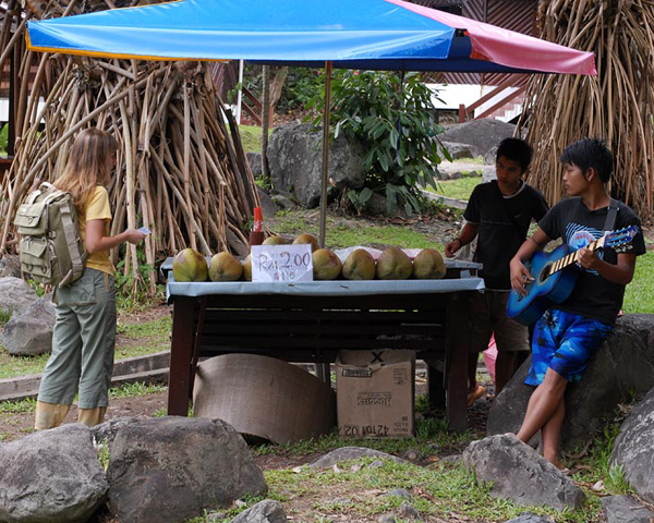 Местные торговцы / Фото из Малайзии